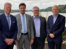 PVS Verbandsvorstand (v.l.n.r.: Dr. C. Mittmann, Dr. M. Klinger, S. Tilgner, Dr. C. Singe